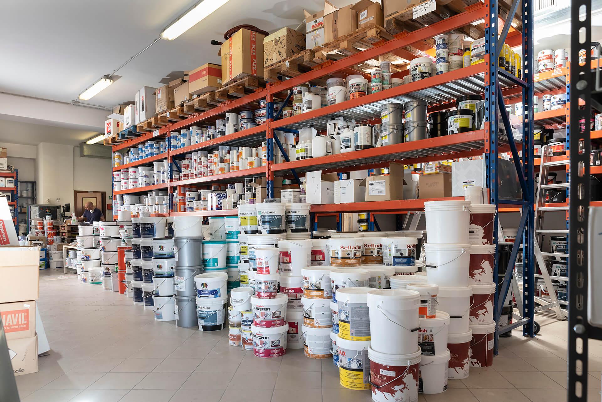 magazzino del colorificio area colore ad alba in corso europa