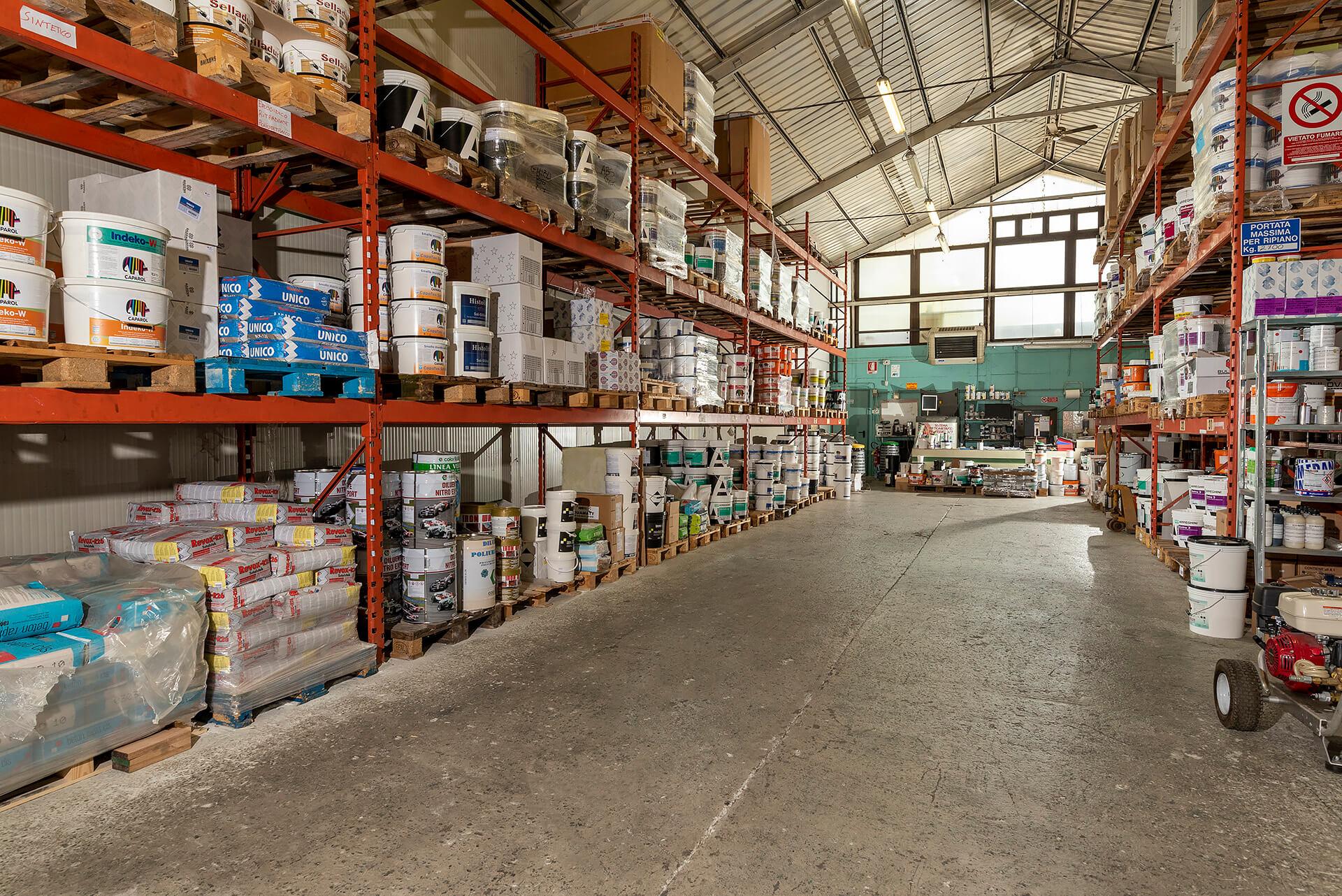 magazzino del colorificio area colore a asti in corso ivrea