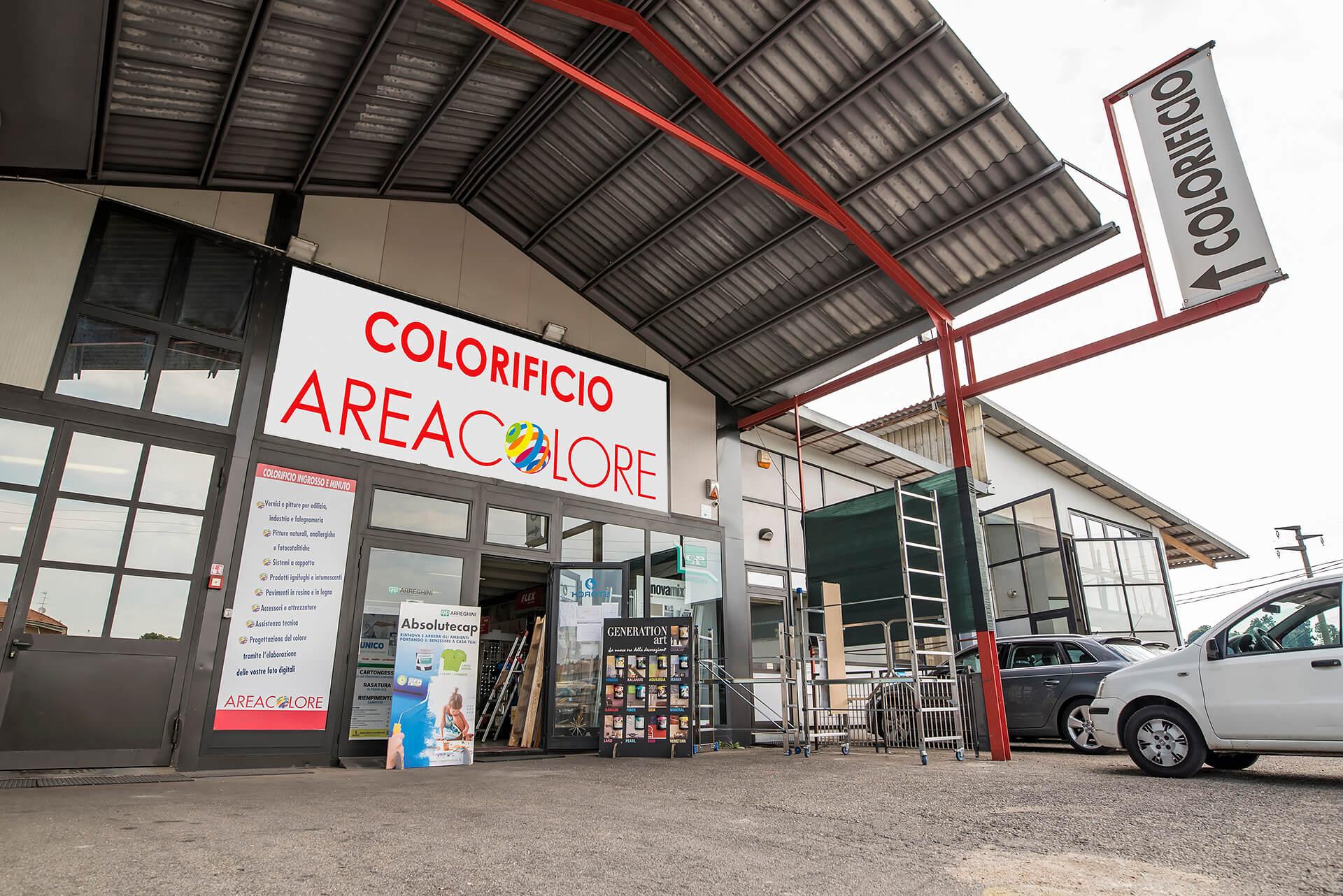 ingresso punto vendita del colorificio area colore a asti in corso ivrea